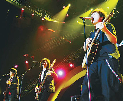 《Lee Guitars ALL STAR新加坡演唱會》 音樂人演繹吉他情.jpg