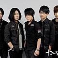 華語人氣樂團五月天代言《十二之天貳》1.jpg