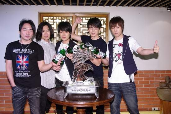 五月天雙喜臨門 金曲奬獲獎演唱會門票大熱.jpg