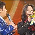 五月天今日凌晨鷺島開唱 廈門歌迷為福州好友「電話直播」08.jpg