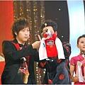 五月天今日凌晨鷺島開唱 廈門歌迷為福州好友「電話直播」09.jpg