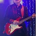 五月天今日凌晨鷺島開唱 廈門歌迷為福州好友「電話直播」24.jpg
