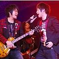 五月天今日凌晨鷺島開唱 廈門歌迷為福州好友「電話直播」25.jpg