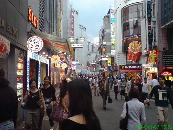 走在日本街頭