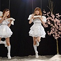 By2《勇敢》化身美麗天使 MV吊鋼絲搏命演出