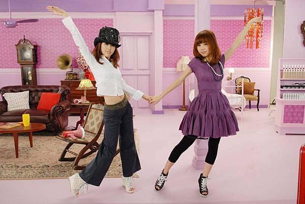《新少女祈禱》挑戰舞蹈極限 BY2咬牙練國標 腿傷不敢哎