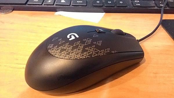 羅技 G90-3.jpg
