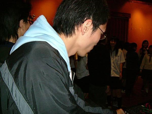 2004_0319Image0002.JPG
