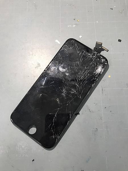 IPHONE6面板慘破不堪