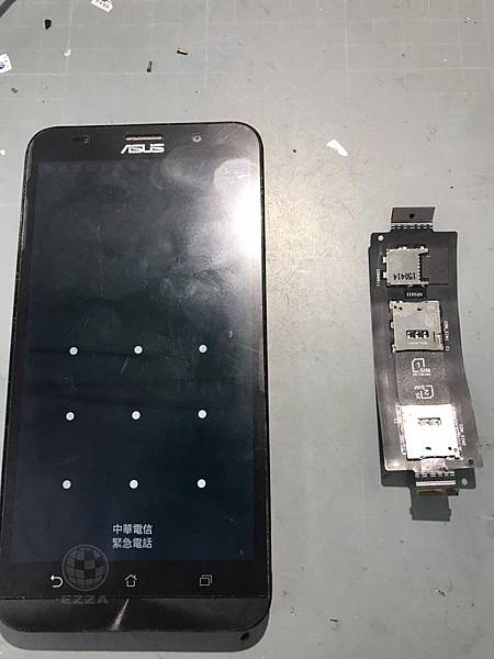 Zenfone 2 SIM卡讀不到