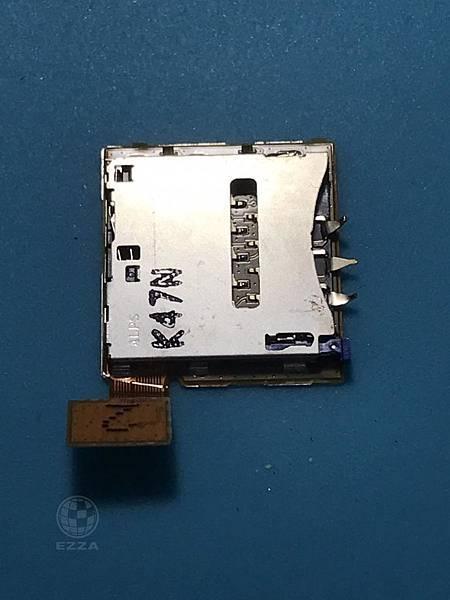 SONY T2 SIM卡座扯爆
