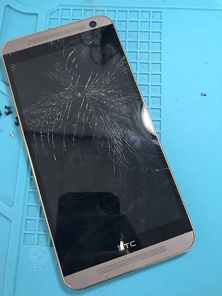 HTC E9+面板破裂