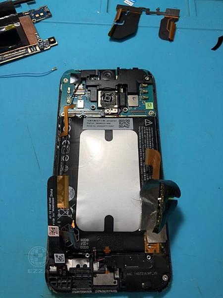 HTC 蝴蝶2電池膨脹(2)