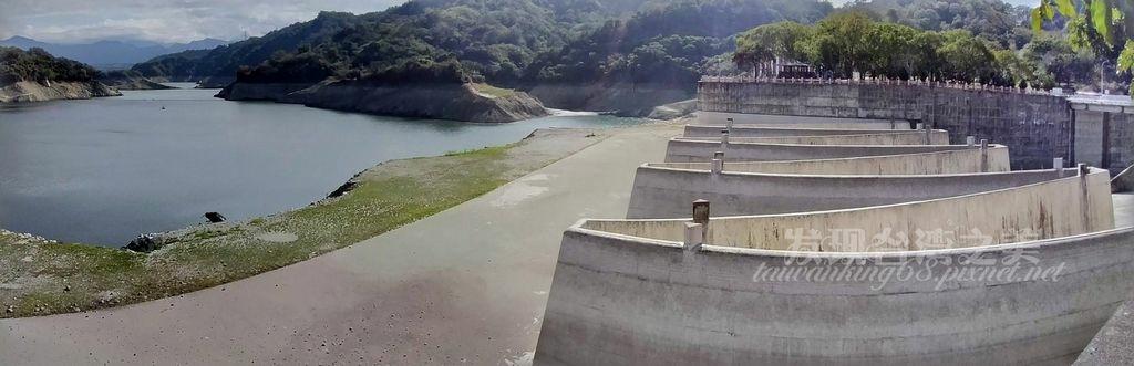不忍卒睹的鯉魚潭水庫