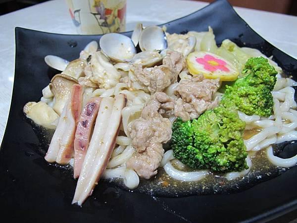 沙茶什錦炒拉麵