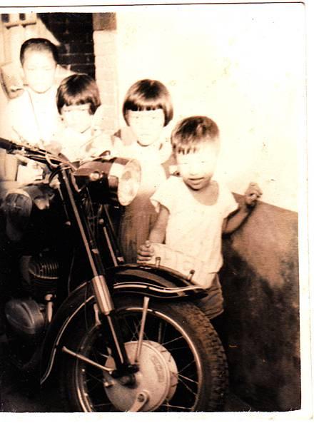 阿爸買的摩托車
