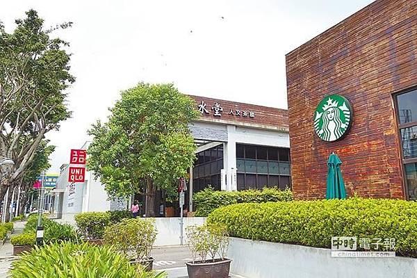 台中11期崇德路沿線,已有星巴克、春水堂、優衣庫等知名品牌進駐展店。.jpg