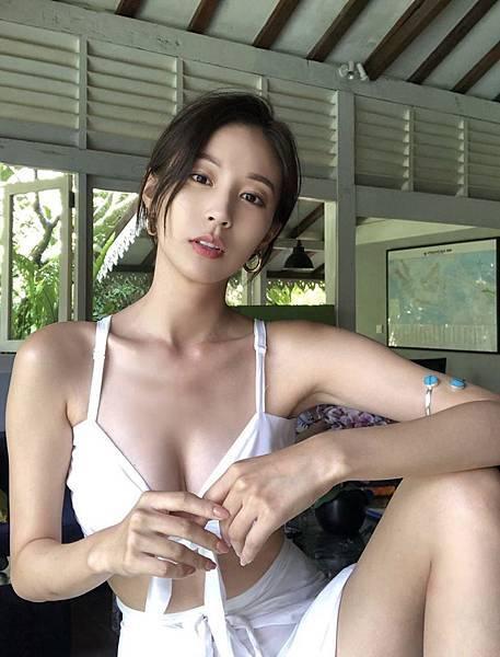 酒店小姐 酒店公關 酒店工作內容 Google 搜尋 梁曉尊 梁小尊.jpg