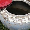 23   這個大水缸主要是洗手洗碗洗菜等等,小型的蓄水池。_縮圖.JPG