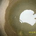 24   其實裡面的水,也沒有粉乾淨!但吃飯煮湯就靠它了呀!_縮圖.JPG