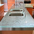 glass-countertop-for-kitchens.jpg