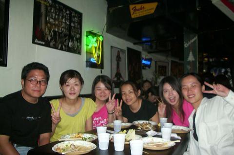 和之前老師和同學聚餐
