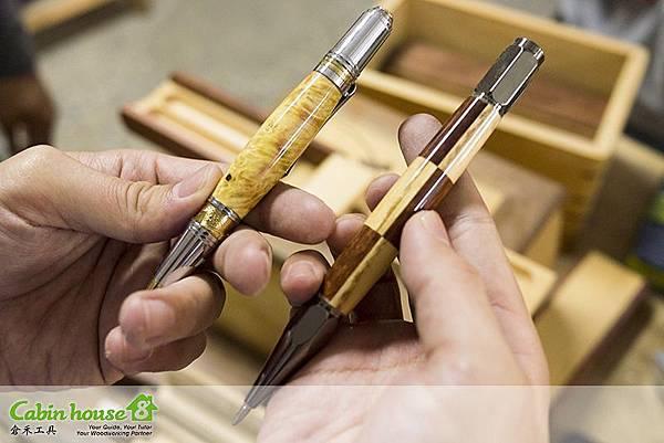 製筆車刀操作完成後,再上研磨即可完成精美手工筆
