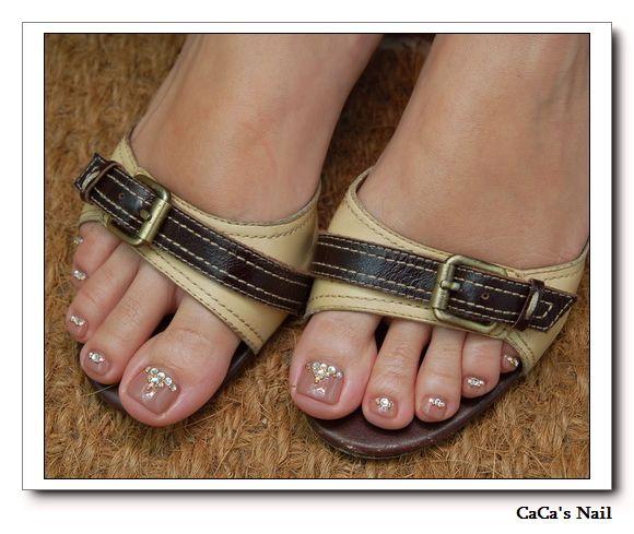 足部保養+光療指甲&涼鞋穿搭