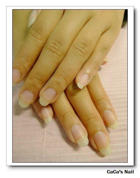 光療卸甲後甲面非常健康不會像水晶指甲卸甲後變薄