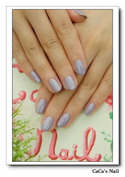 OPI粉紫色指甲油