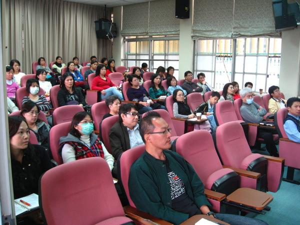 981128親職講座3-家長熱烈的參與.jpg