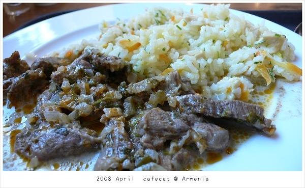 0410 午餐~炒飯配羊肉