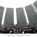 0424 人山人海的紀念碑