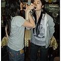 0413 和Marina喝交杯酒