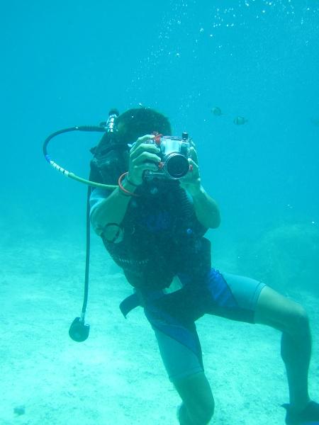 有攝影師幫我們拍照...不過我覺得我們的相機畫質比較好