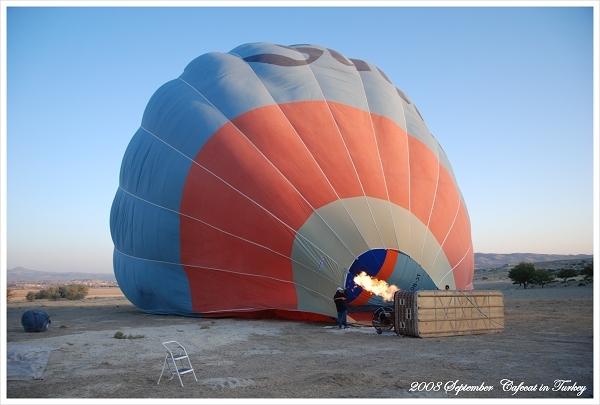 我們的熱氣球開始升火了