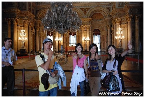 全世界最大的水晶燈在這啦!!!