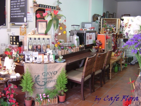 咖啡廳內拍2.jpg