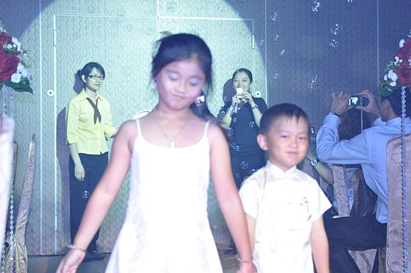 新娘的妹妹&新郎的表外甥