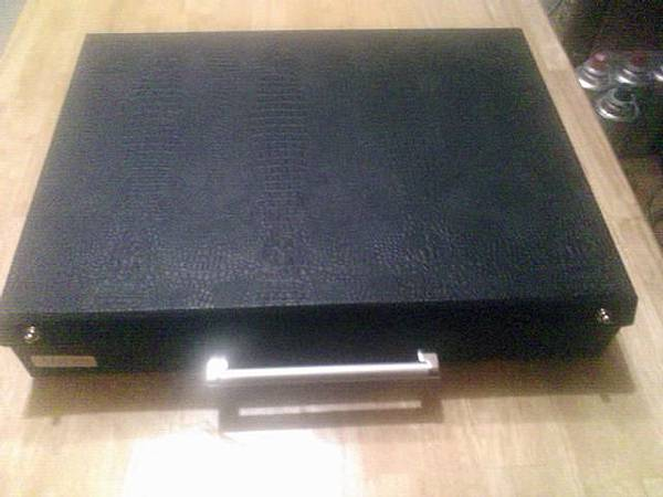 ..婚紗照的盒子..超像行李箱.jpg