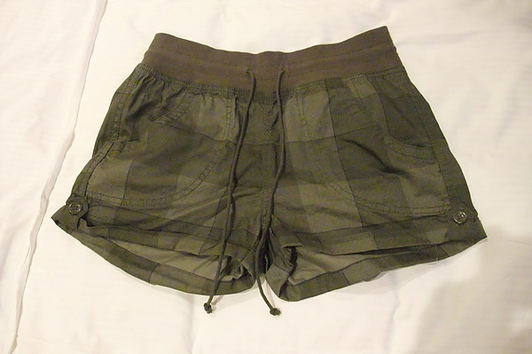 老婆H&M短褲.JPG