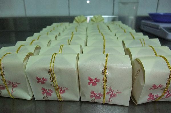 20100905 04鳳梨酥包裝.JPG
