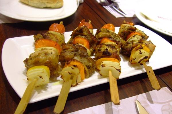 10烤雞肉串.JPG