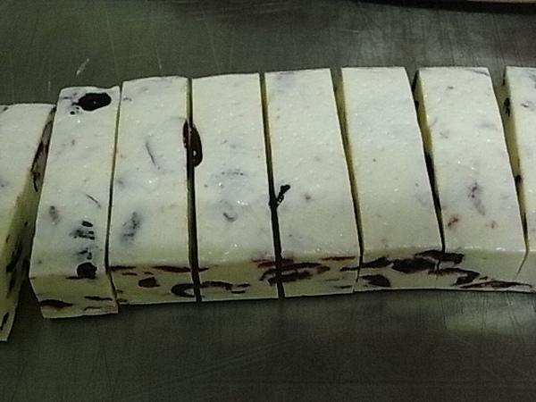 蔓越莓牛軋糖1.JPG