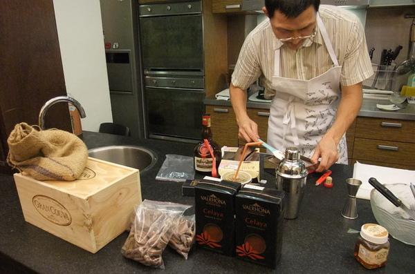 20090705 04製作生巧克力.JPG