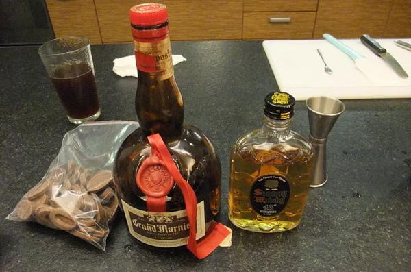 20090705 09製作生巧克力的酒類.JPG
