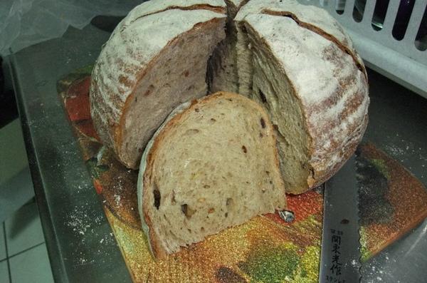 20090911 雜糧麵包.JPG