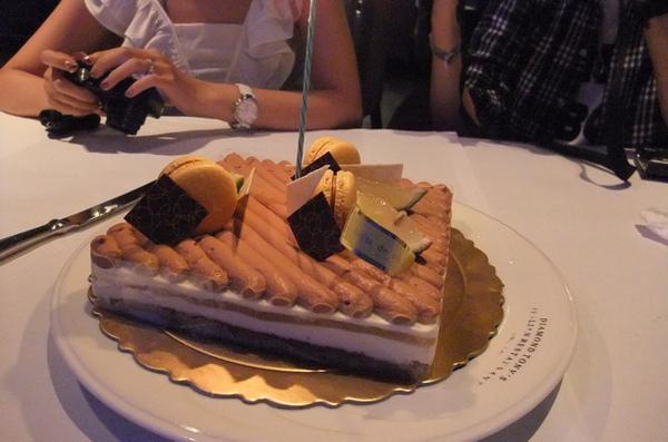 20090724 06蛋糕.JPG