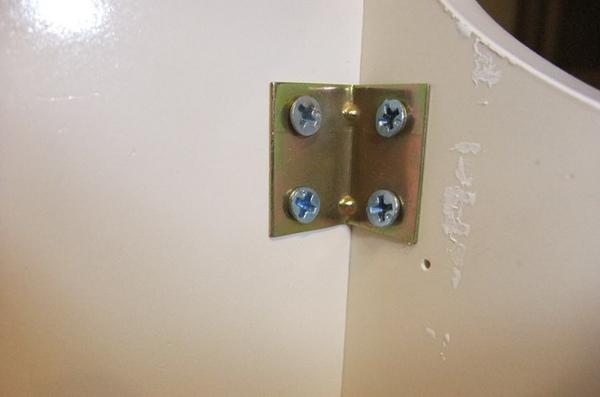 05浴櫃-很鳥的內裝.JPG