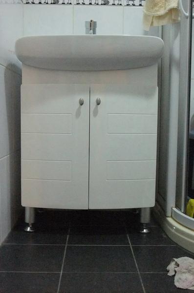 15浴室-新浴櫃完成.JPG